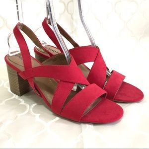 🆕 White Mt. Red Sandals Size 13 Heeled Strappy